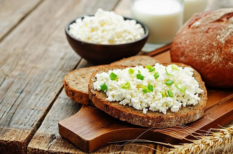 śniadanie bogate w białko
