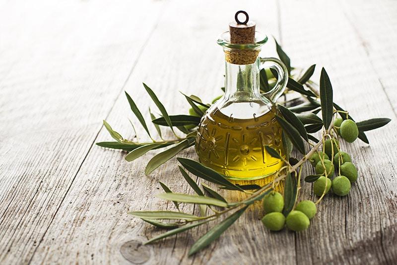 oliwa z oliwek z tłoczenia na zimno